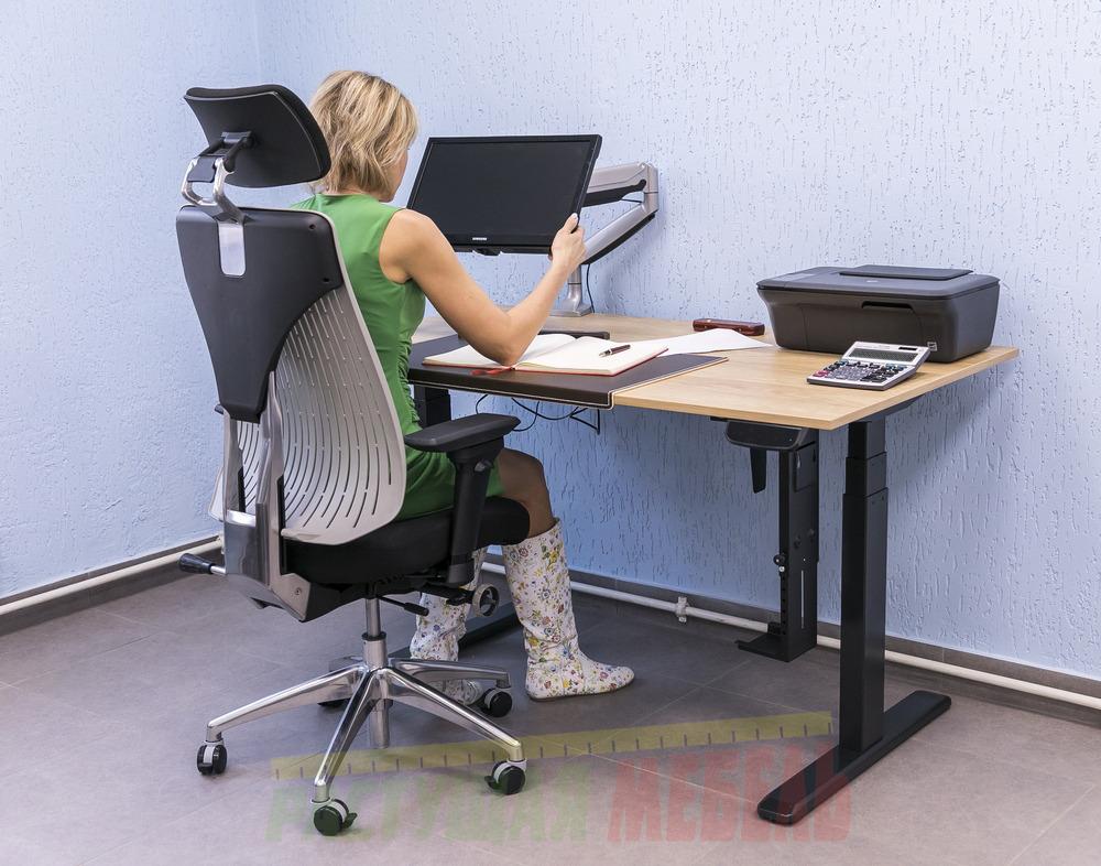 Эргономичный стул-кресло COMF-PRO TRULY со столом Unique Ergo Desk с электрической регулировкой высоты